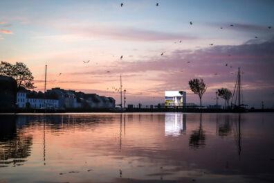 <p>Sunrise at <em>Mirror Pavilion, Corn Work.<br /></em>Photo: Emilija Jefremova</p>