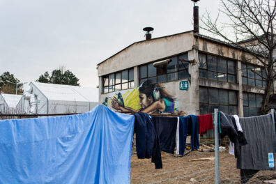 <p><strong>Washing line</strong><br />Preševo Refugee Camp, Serbia 2017</p>