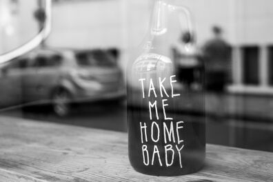 <p><strong>Take me home baby</strong><br />Bermondsey, London SE1, April 2020</p>