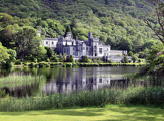 https://www.giaf.ie/content/images/kylemore-abbey-two.jpg