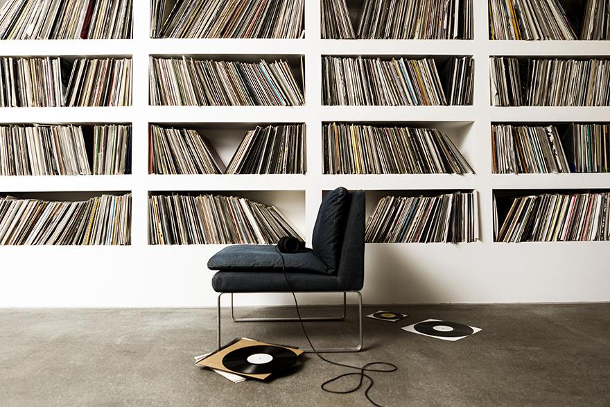 Vinyl Hours 2021