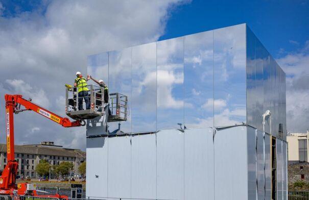 Constructing Mirror Pavilion